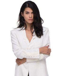 nikoleta-carmella-white-blazer-close
