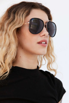 QUAY-Needing Fame Sunglasses -Black