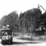 A Santa Cruz Electric Railway streetcar approaching the Vue de L'eau station, circa 1894. The casino can be seen on the right. Photo courtesy of the Santa Cruz City-County Library System.