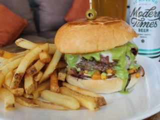 #Throwback some cold ones every Thursday at Searsucker Del Mar with our Burger & Brew special from 4:30pm-close on our back patio