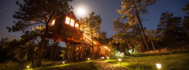 Little Red Treehouse Unique Estes Park hotels cabins getaways