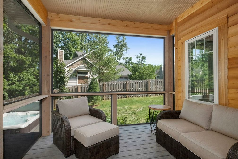 screened in porch 2