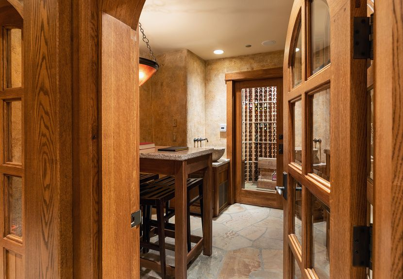 515 strawberry park wine cellar