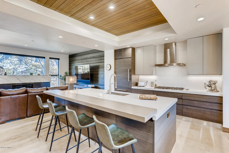 Stunning kitchen featuring Wolf & Sub Zero appliances.
