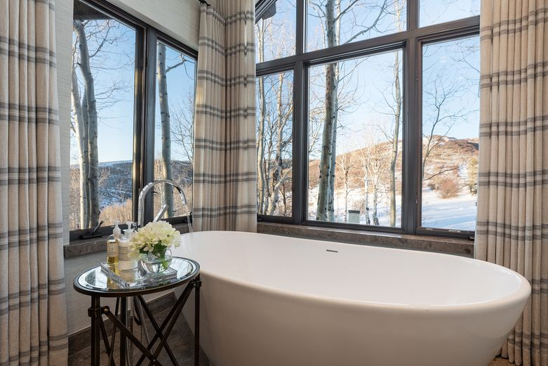 Luxury bath in Colorado home with wintery views - 909 Ute Forest Lane