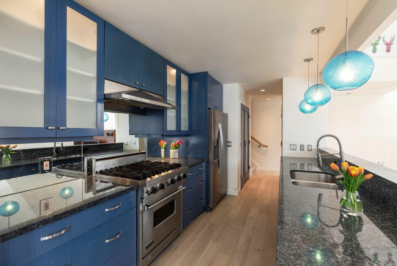 Mountain modern kitchen for sale