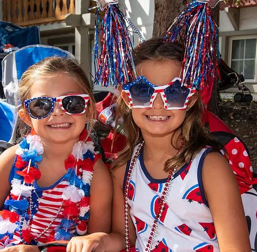 2 girls dressed up in the spirit of Vail America Days