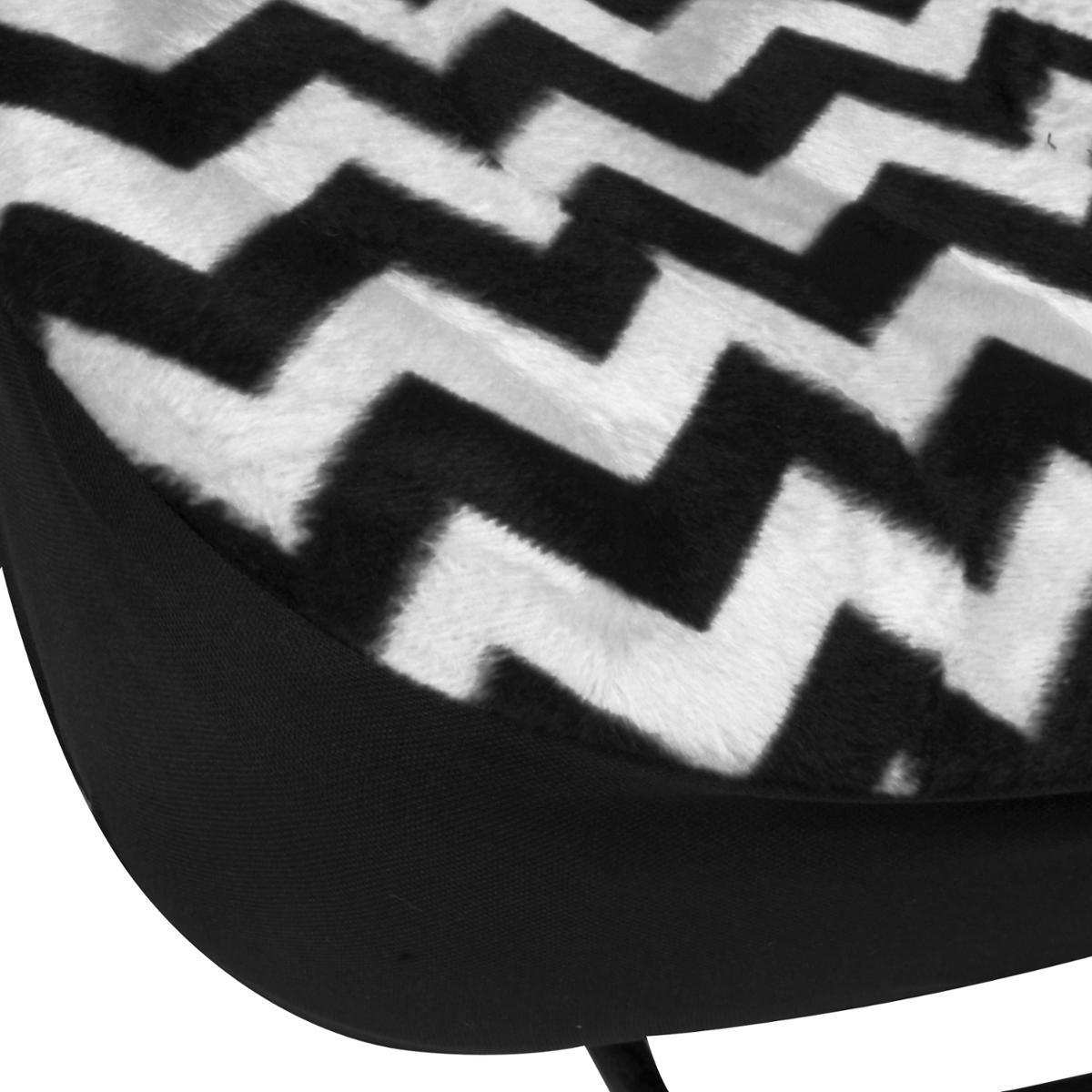 White Zigzag Line Design Car Seat Covers Amp 4 Piece Auto