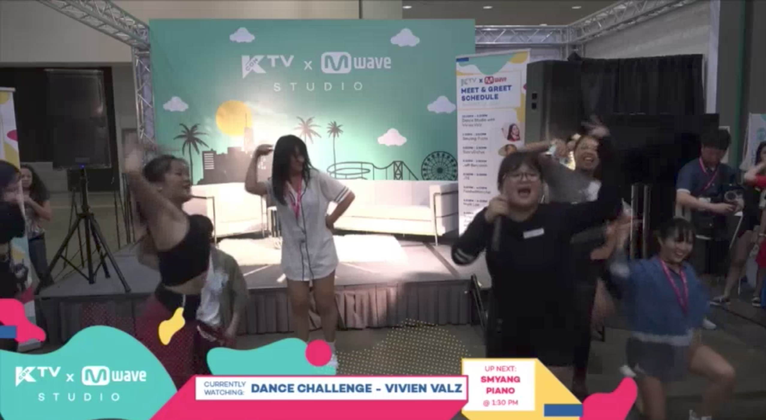 [#KCON17LA] Watch Attendees Take A 2x Fast/Slow K-Pop Dance Challenge with Vivien Valz!