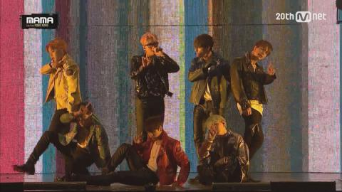 [2015MAMA] Bulletproof Boy Scouts (BTS) _ RUN