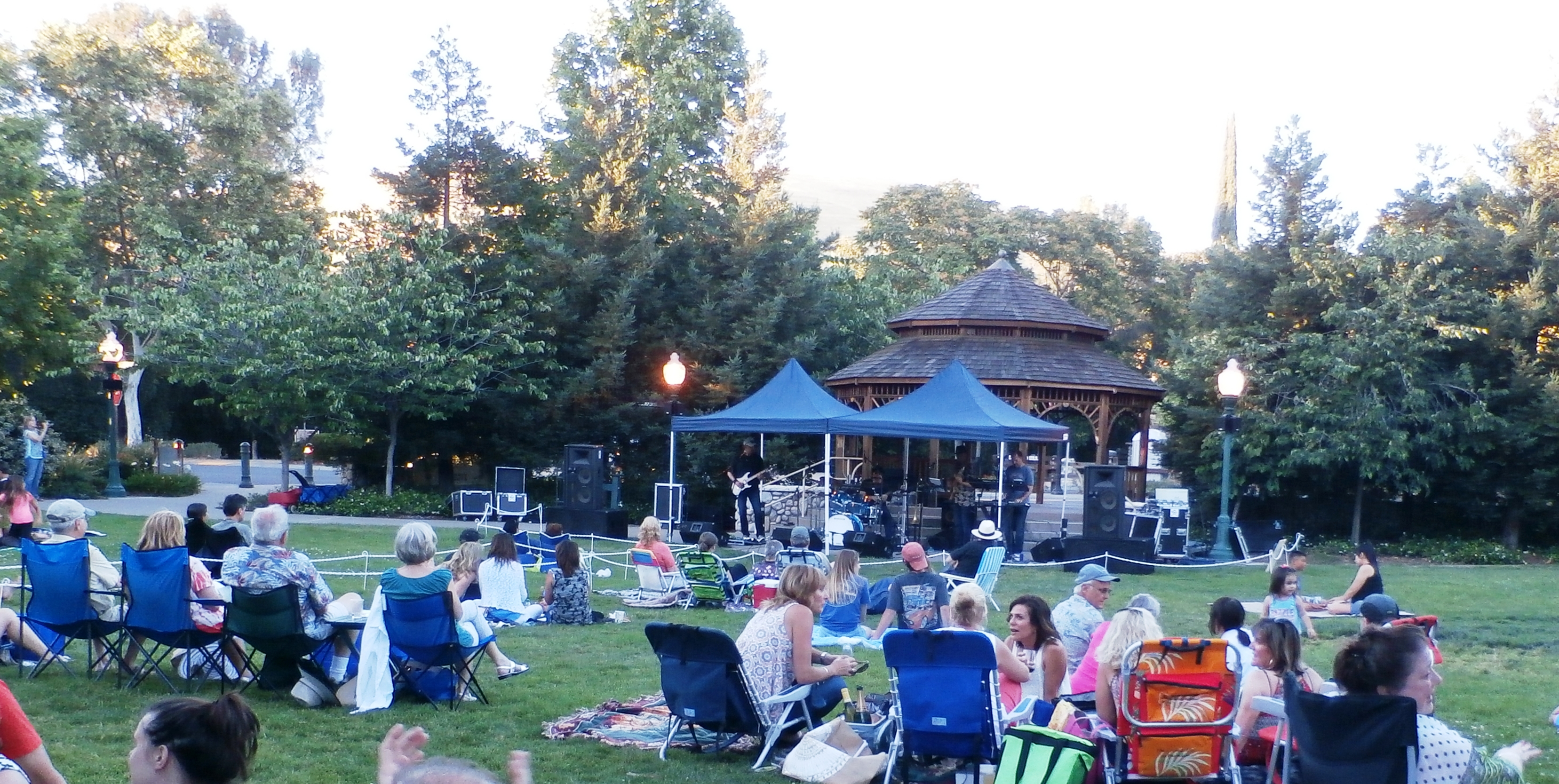 Clayton Concert in The Grove 2017- PLUS CVV PICNIC picture