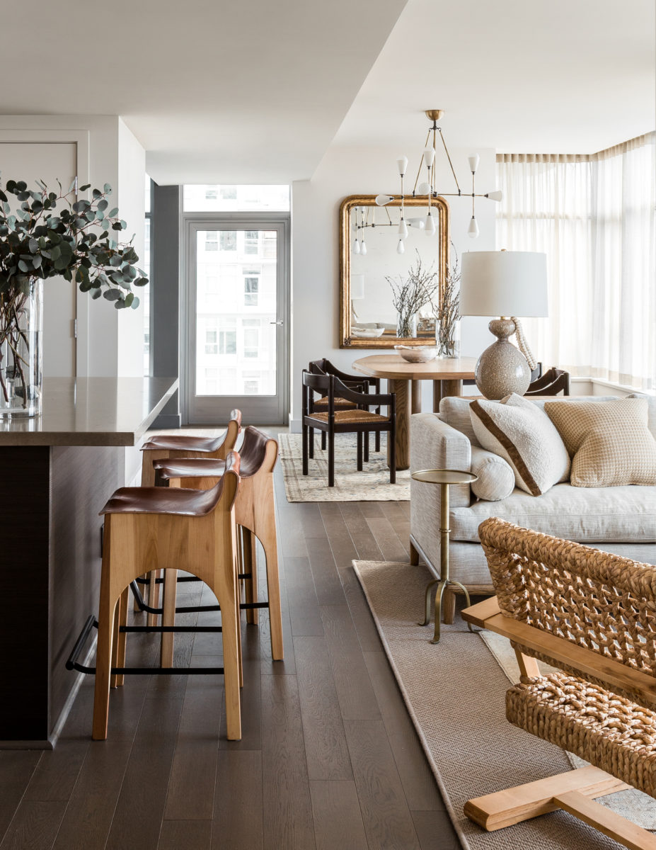 No Lie: These Living Room Mirror Ideas Will Instantly Double Your Square Footage