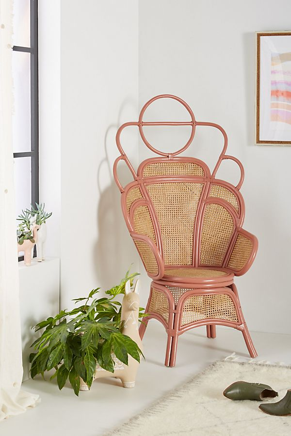 Rule the Throne Trend With These 6 Noble Chairs