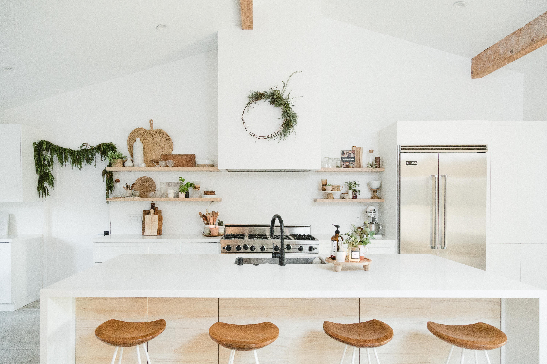 These 12 White Kitchen Cabinet Ideas Speak Volumes