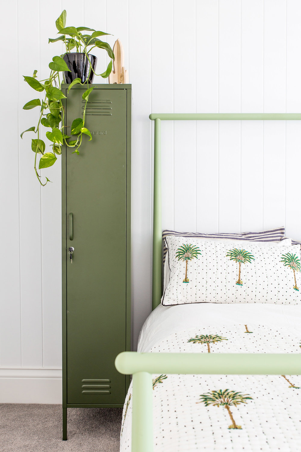 Listen Up, Under-20 Girls: These Teen Bedroom Ideas Will Make Yours the Coolest on the Block