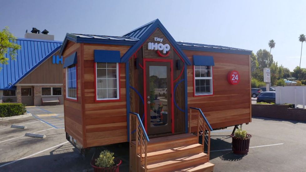 Here's How You Can Eat Inside IHOP's New Tiny House
