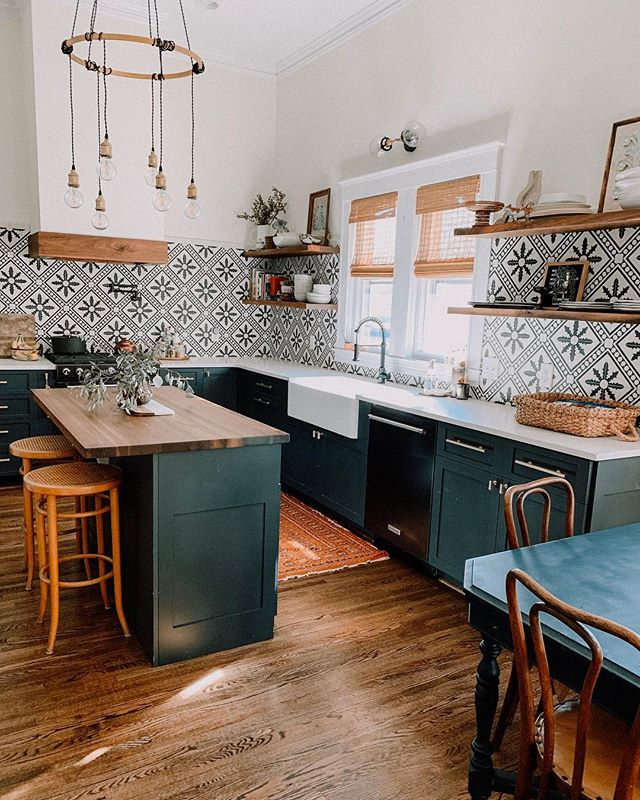 Bold Patterns and Organic Materials Create an Unforgettable Kitchen Design