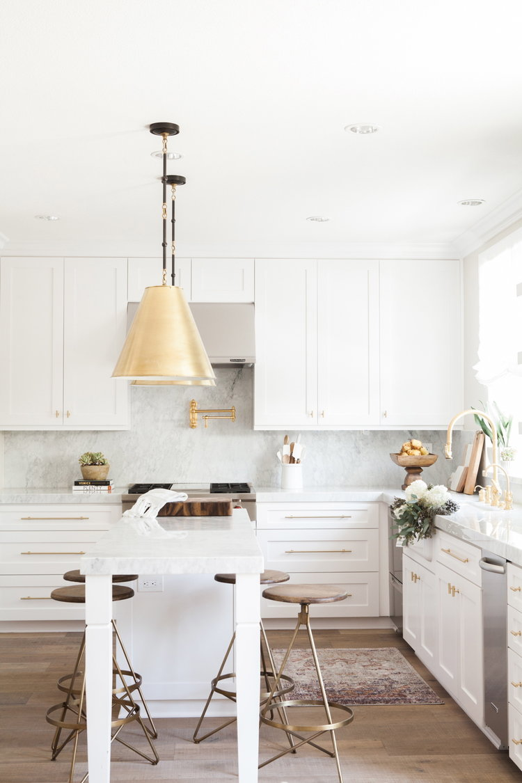Behold, 10 Transitional Kitchen Ideas That Will Stop You in Your Tracks