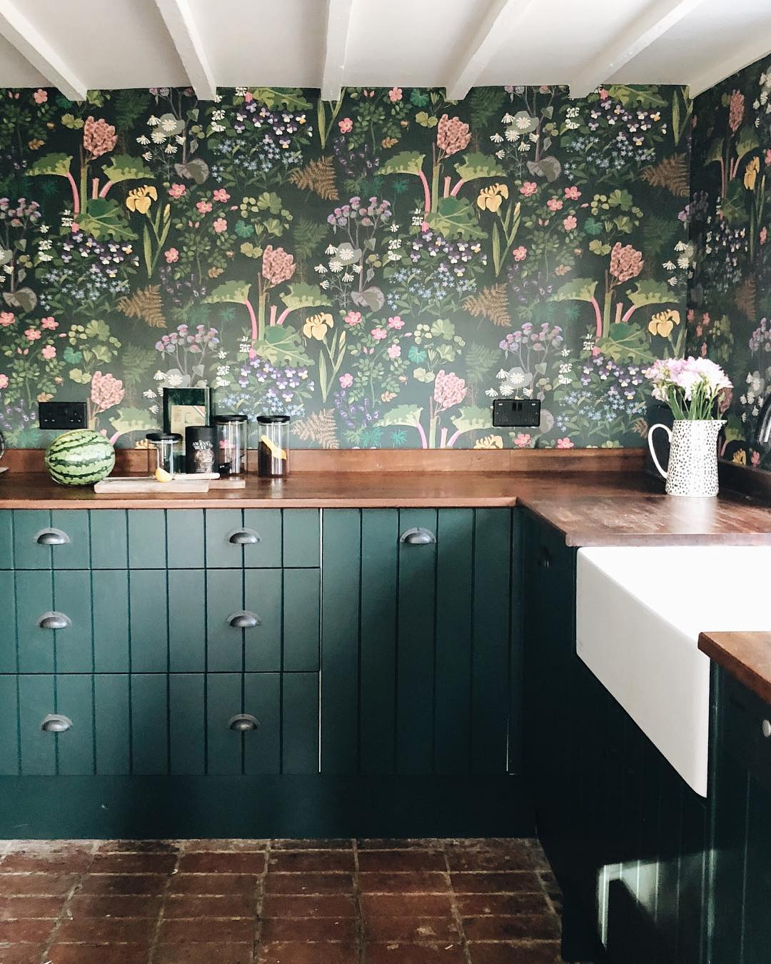 Trust Us, You're Going to Fall in Love These 7 Kitchen Wallpaper Ideas
