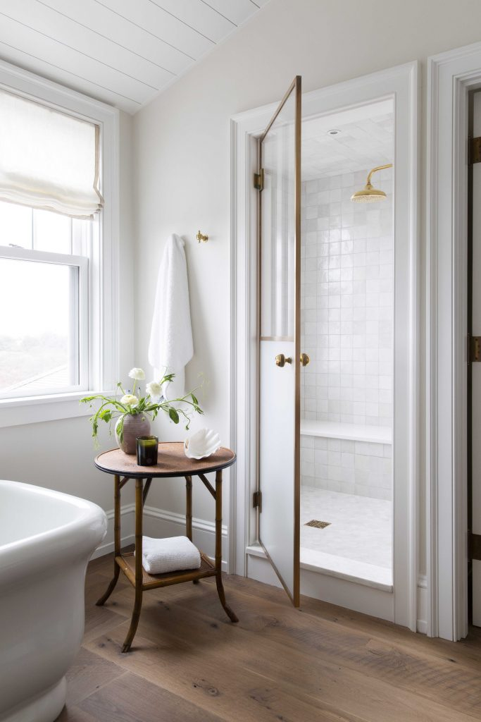 9 Guest Bathroom Ideas That You'll Want to Steal for the Master En Suite