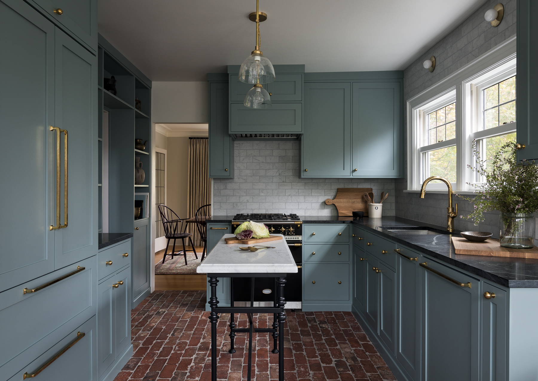 Calling It — These Kitchen Cabinet Color Ideas Will Be in Every Stylish Home in 2019