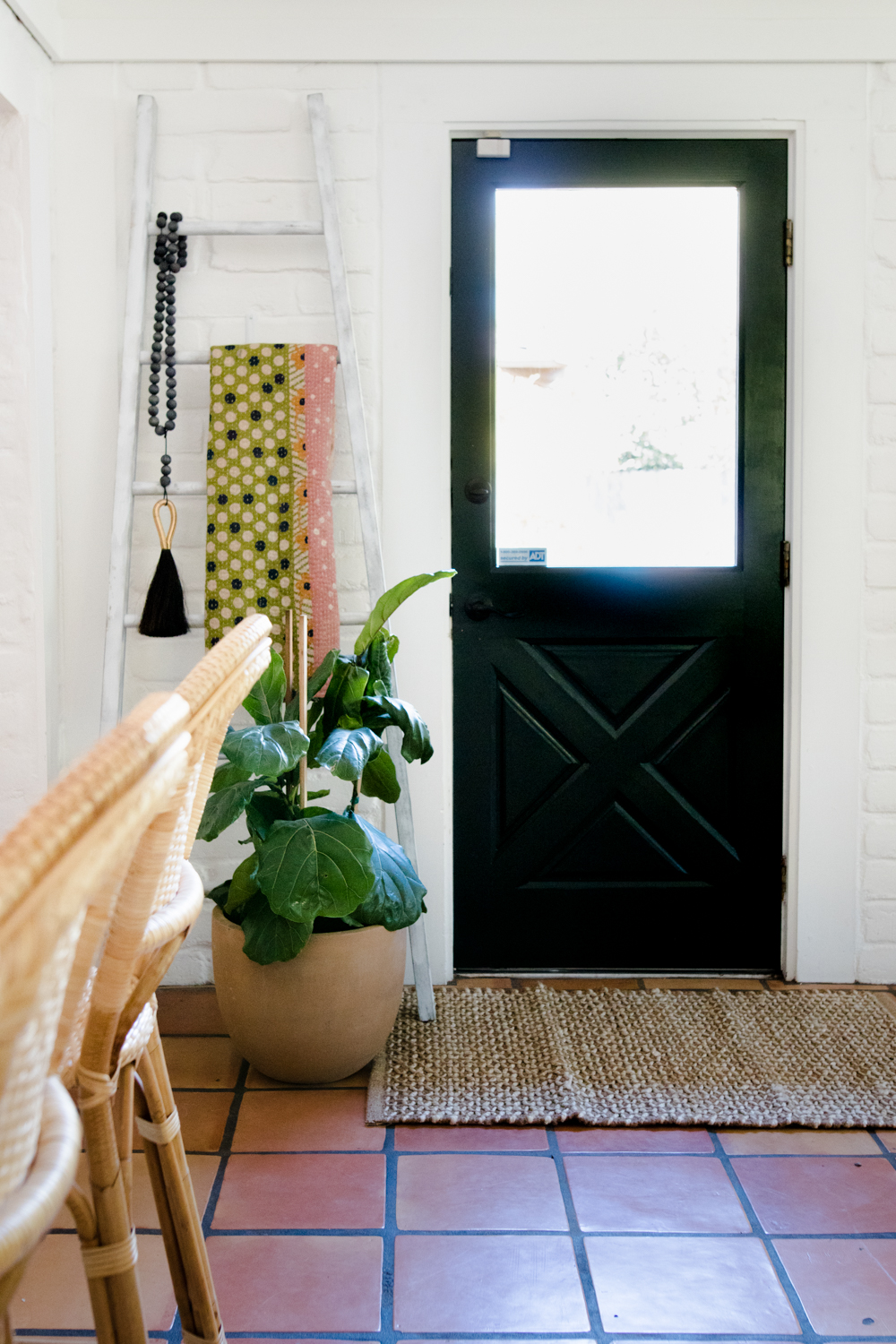 10 Entryway Plants That'll Make You Happy to Be Home