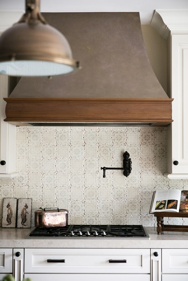 Dreaming of a Farmhouse Kitchen Backsplash? Here Are 6 Ideas Dripping With Rural Charm