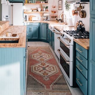 BRB, We're Copying Everything in This Copper and Blue Kitchen We Found on Instagram
