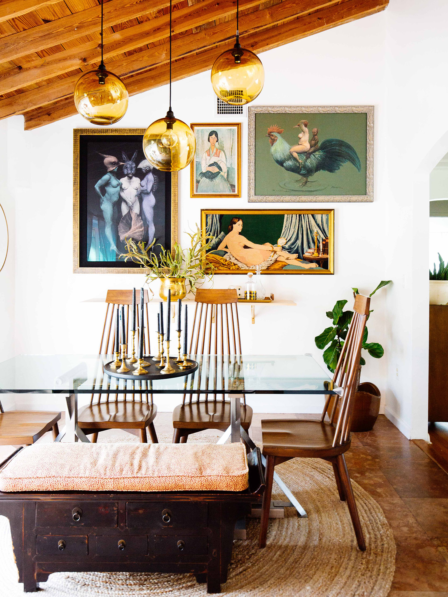 Here Are 8 Tips and Tricks to Find the Best Vintage Midcentury Modern Furniture
