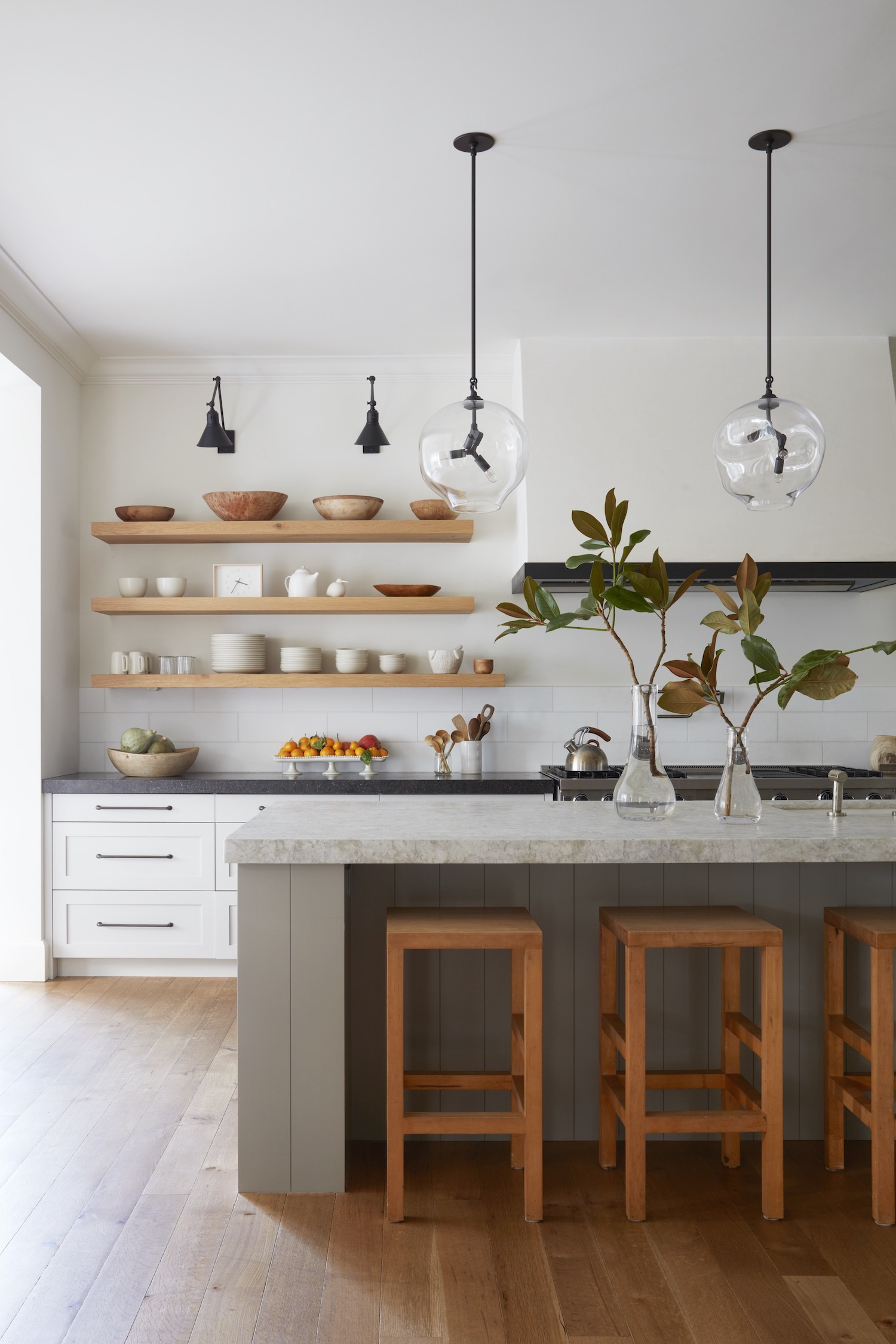 The Search Is Over — Here, 6 Kitchen Pendant Light Ideas to Complete You (And Your Space)