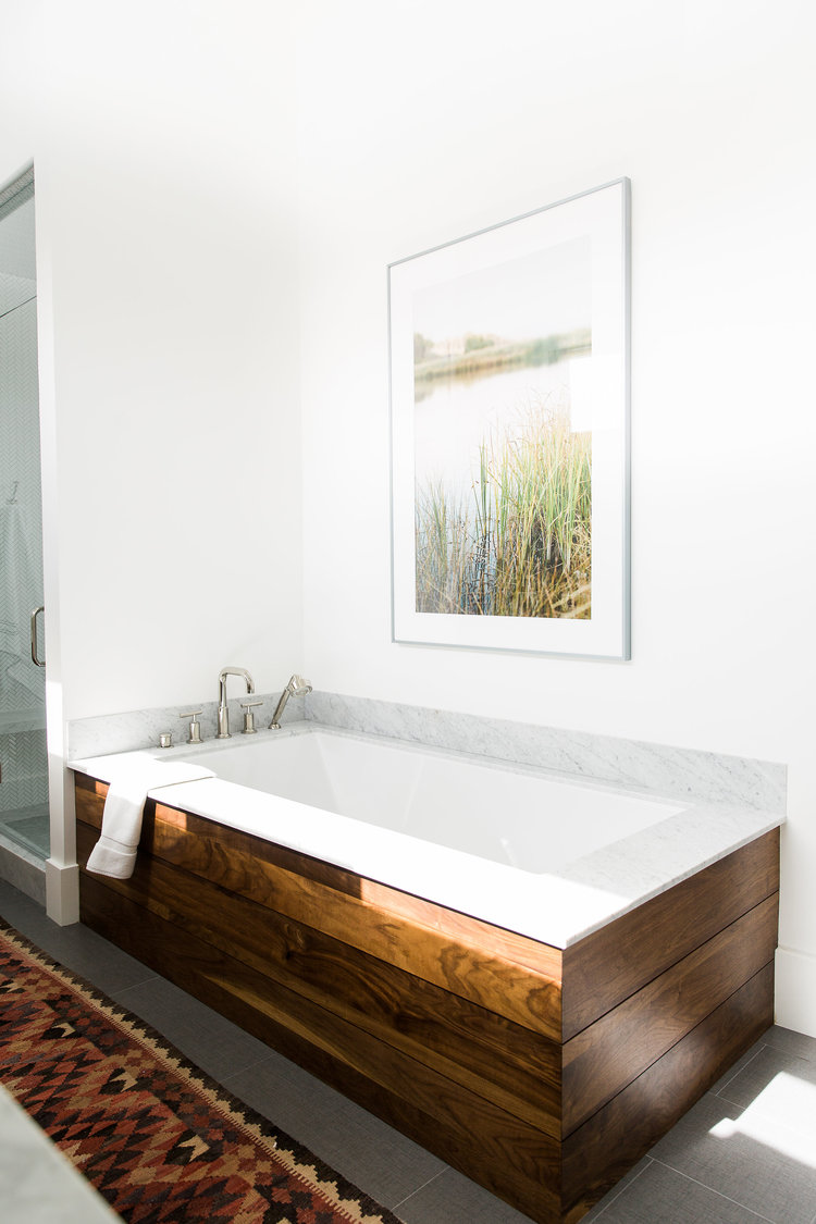 Soak It Up: These Are the 5 Types of Bathtubs You Need to Know