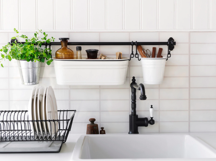 Kitchen Storage: 4 Ways to Stash Your Essential Cleaning Products