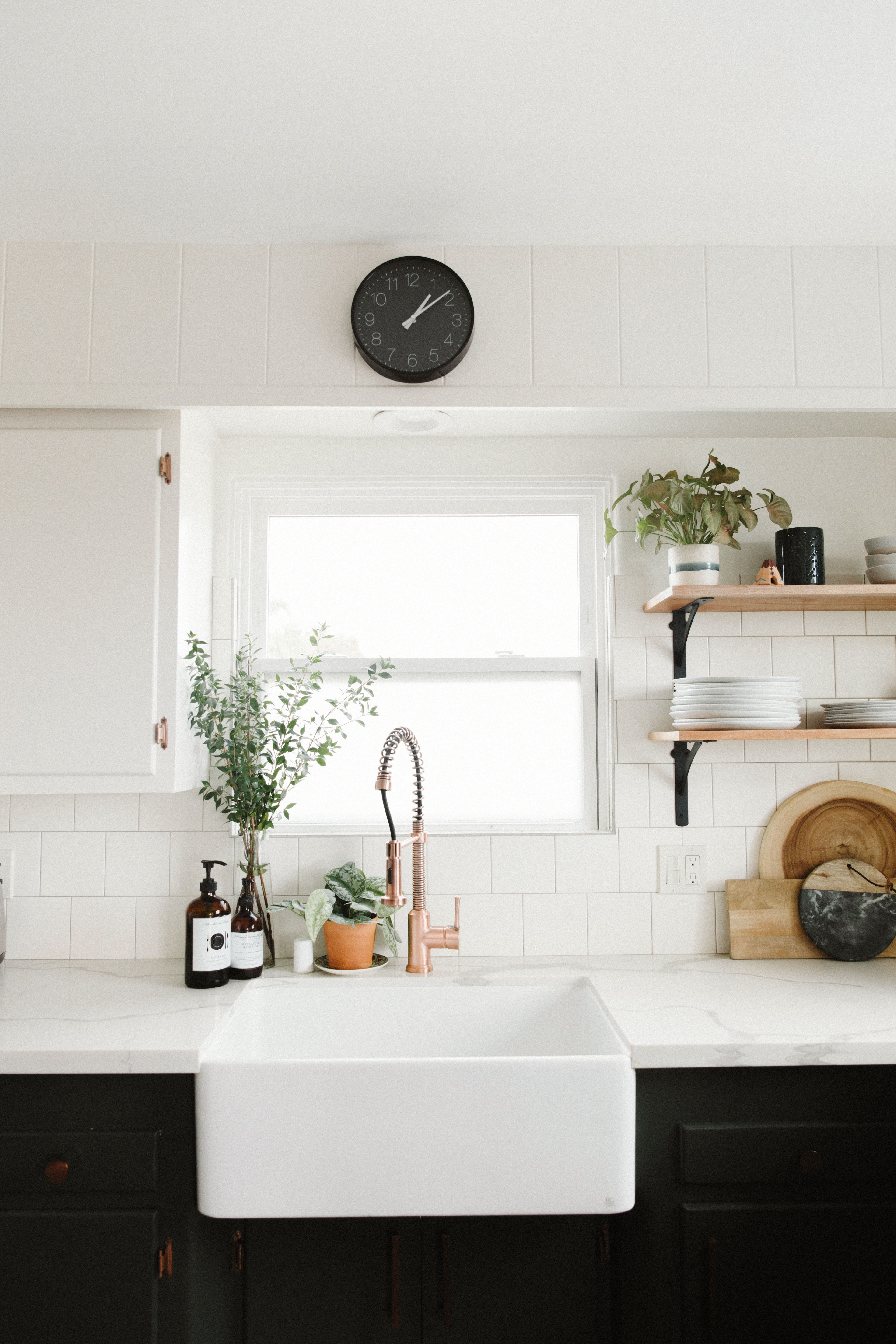 How to Keep a White Kitchen Sink Really and Truly Clean
