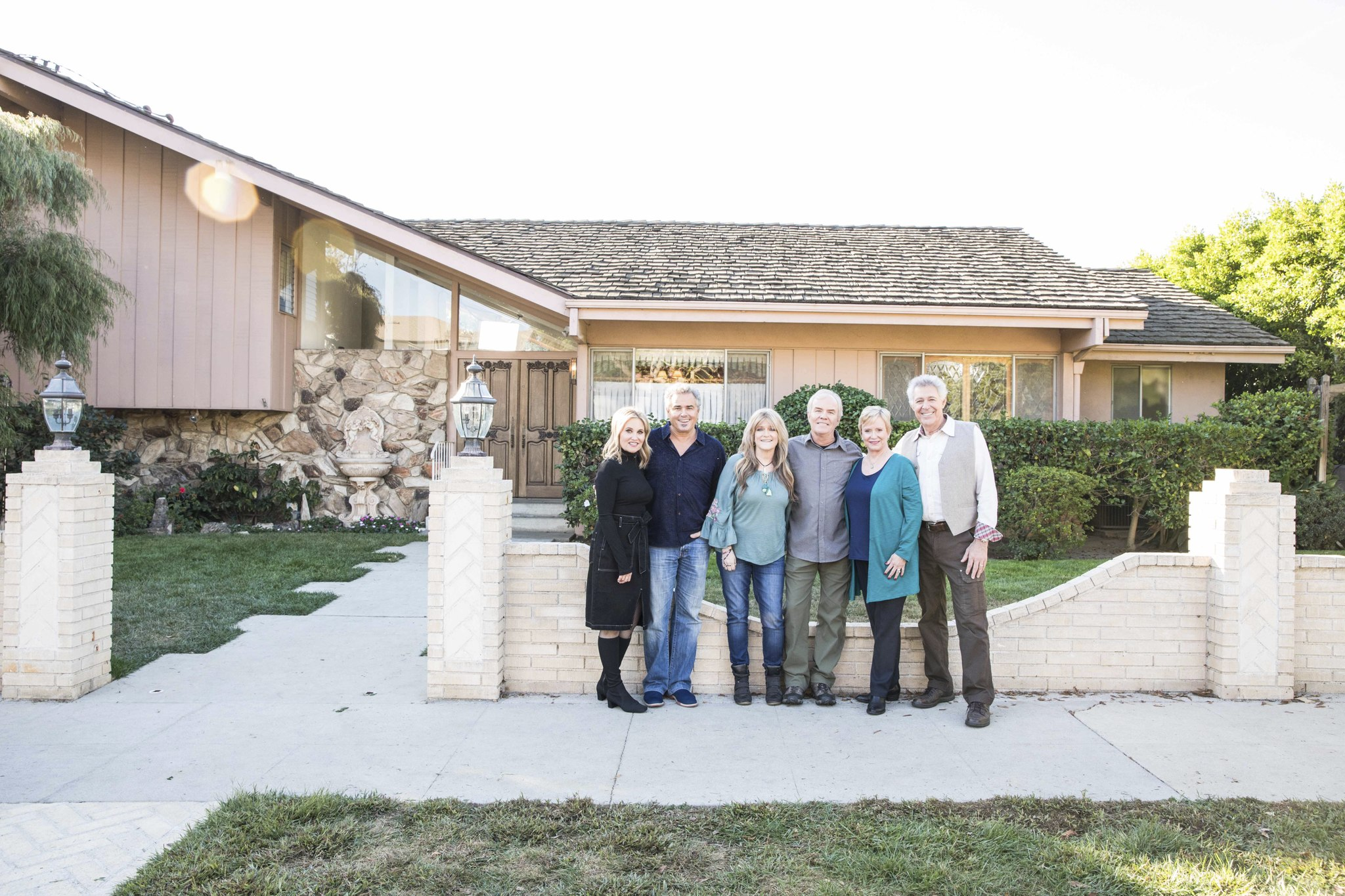You Can Now Stay at the Recently Renovated Brady Bunch House