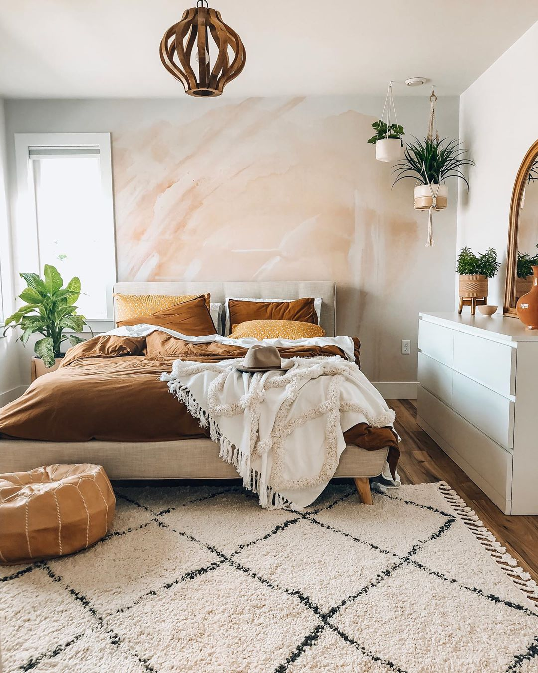 A Stunning Accent Wall Sets the Tone for This Ultra-Peaceful Bedroom