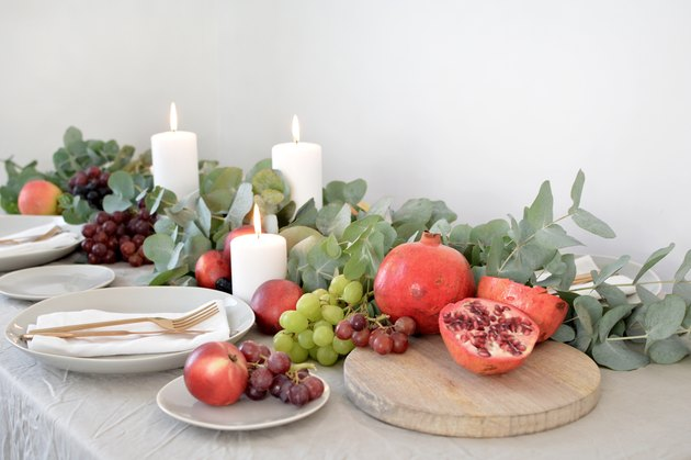 15 Thanksgiving DIYs for Your Turkey Day Decor, Table, and More
