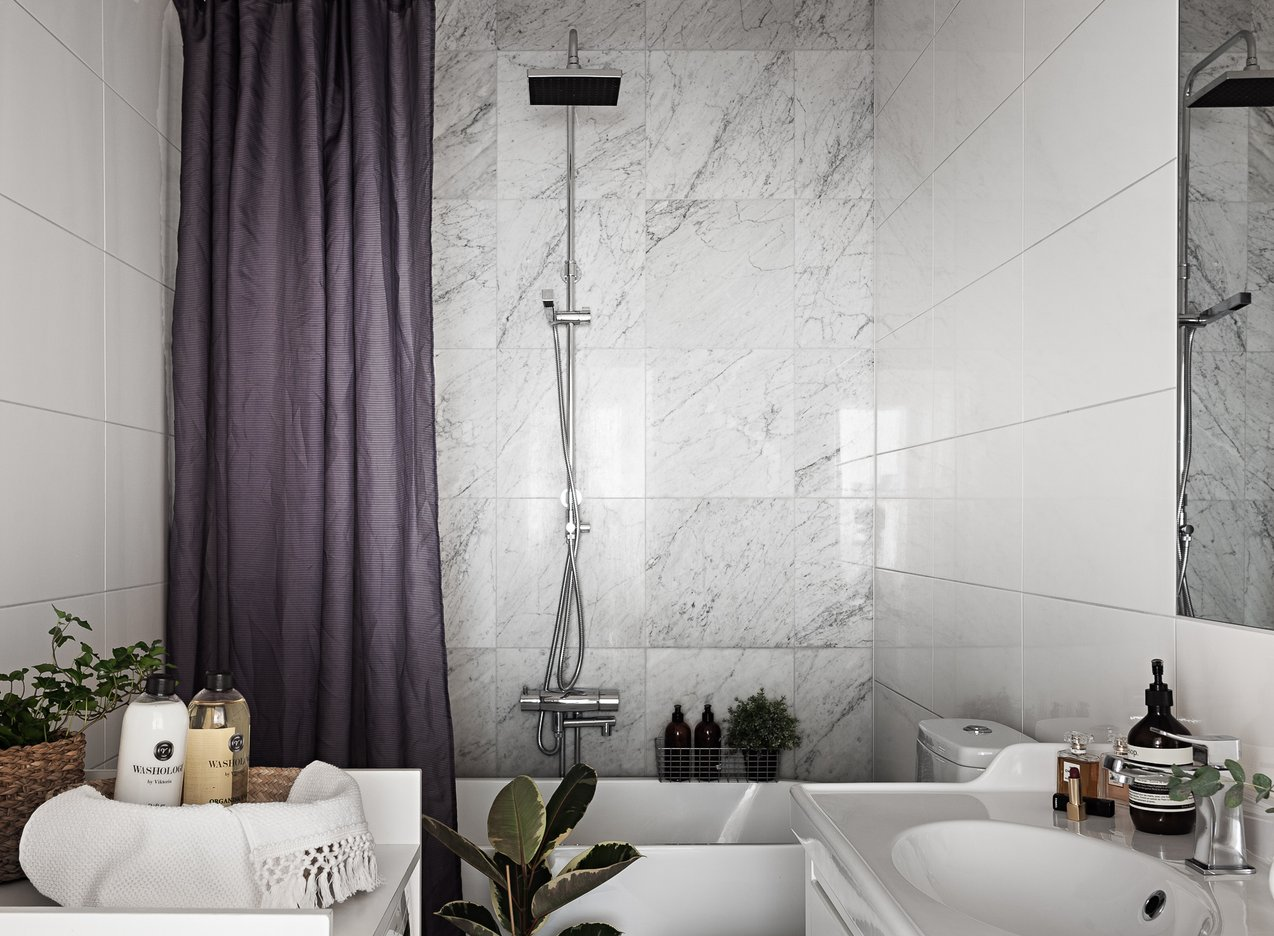 May We Present, Our Complete Guide to Small Bathrooms ... No Thanks Necessary