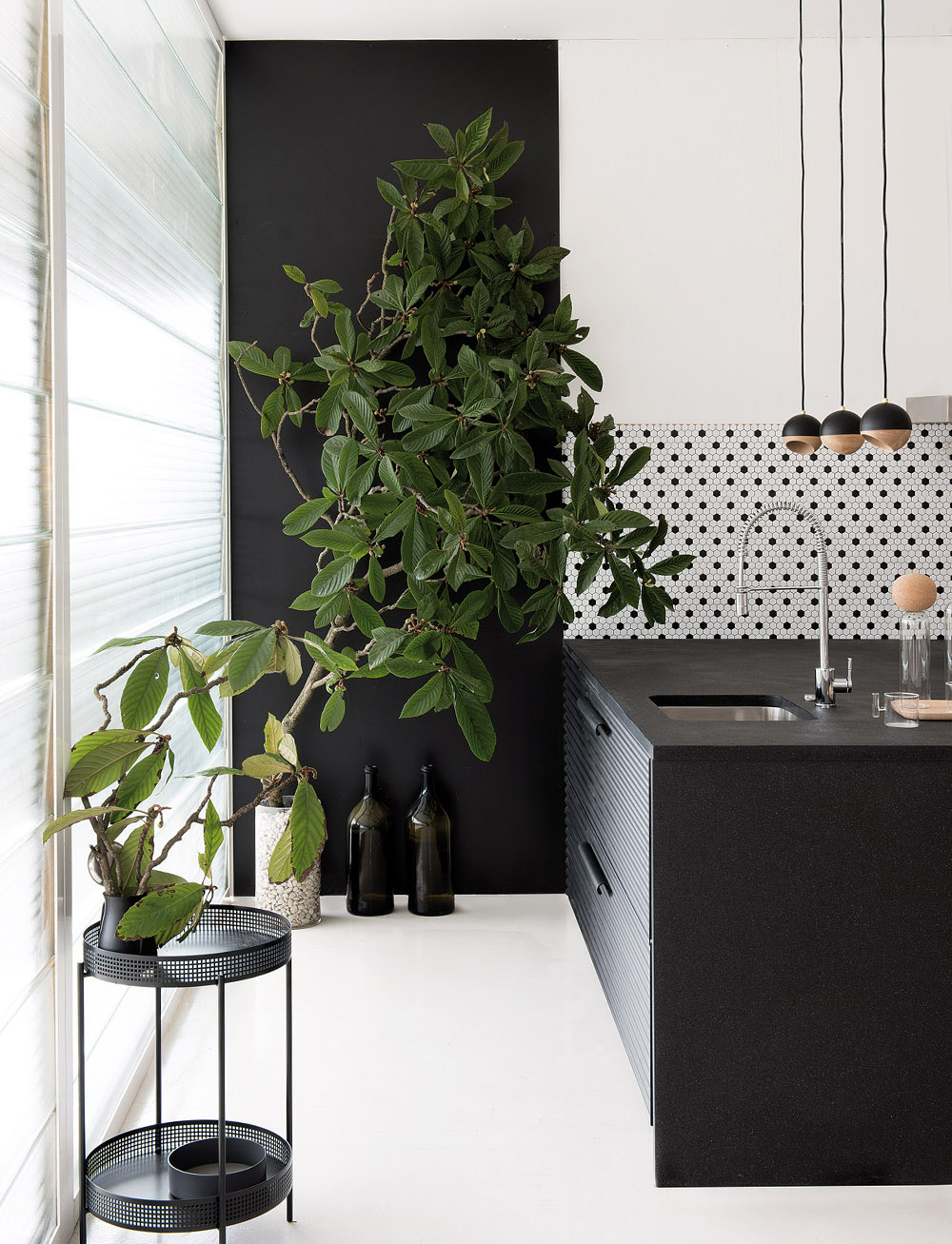 Run, Don't Walk, to Check Out These 10 Chic Black-and-White Kitchen Ideas