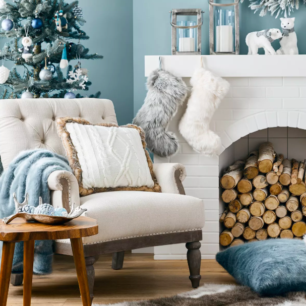 This Theory About Early Holiday Decorating Is Trending Again —But Don't Buy In