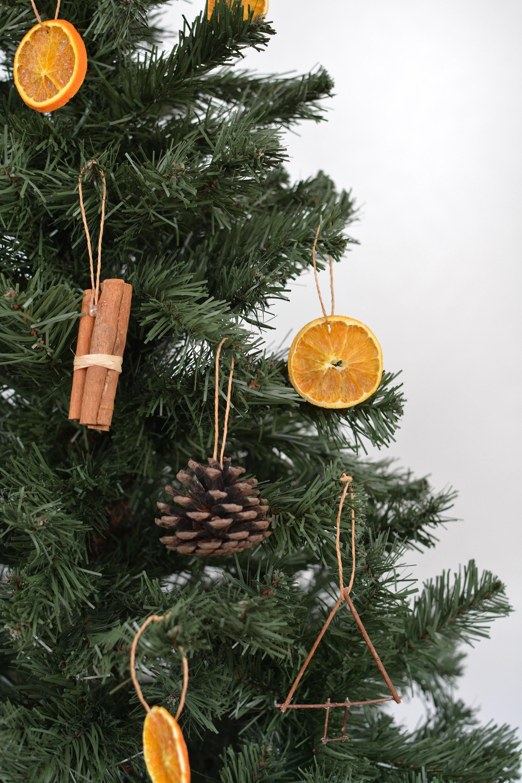 DIY Tree Ornaments Using Natural Materials