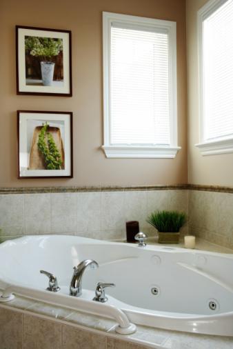 What Is a Whirlpool Bathtub?