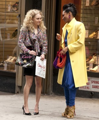 robb-agyeman-the-set-of-the-carrie-diaries-02