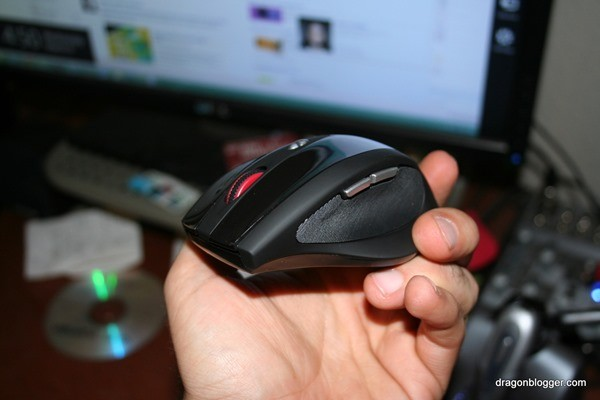 anker wireless mouse side