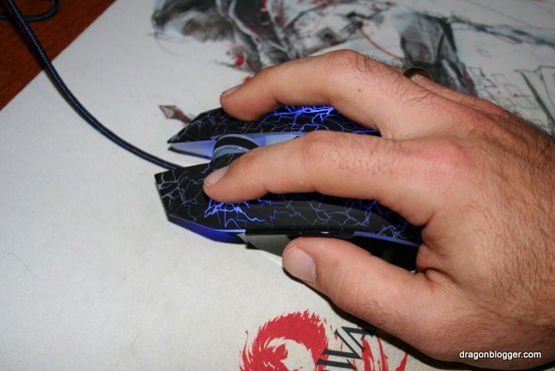 anker 2000 dpi laser gaming mouse (5)