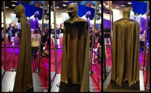 'Batman v Superman' cape and cowl on display at SDCC '14