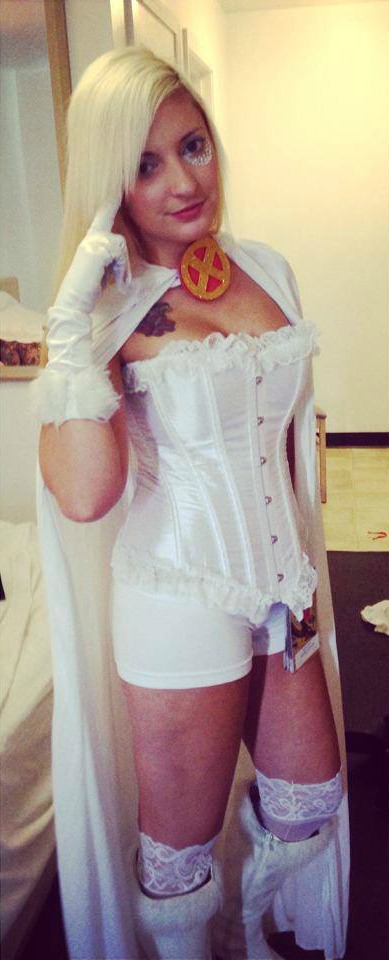 Adrienne Brynteson as Emma Frost at Dragon Con 2014.