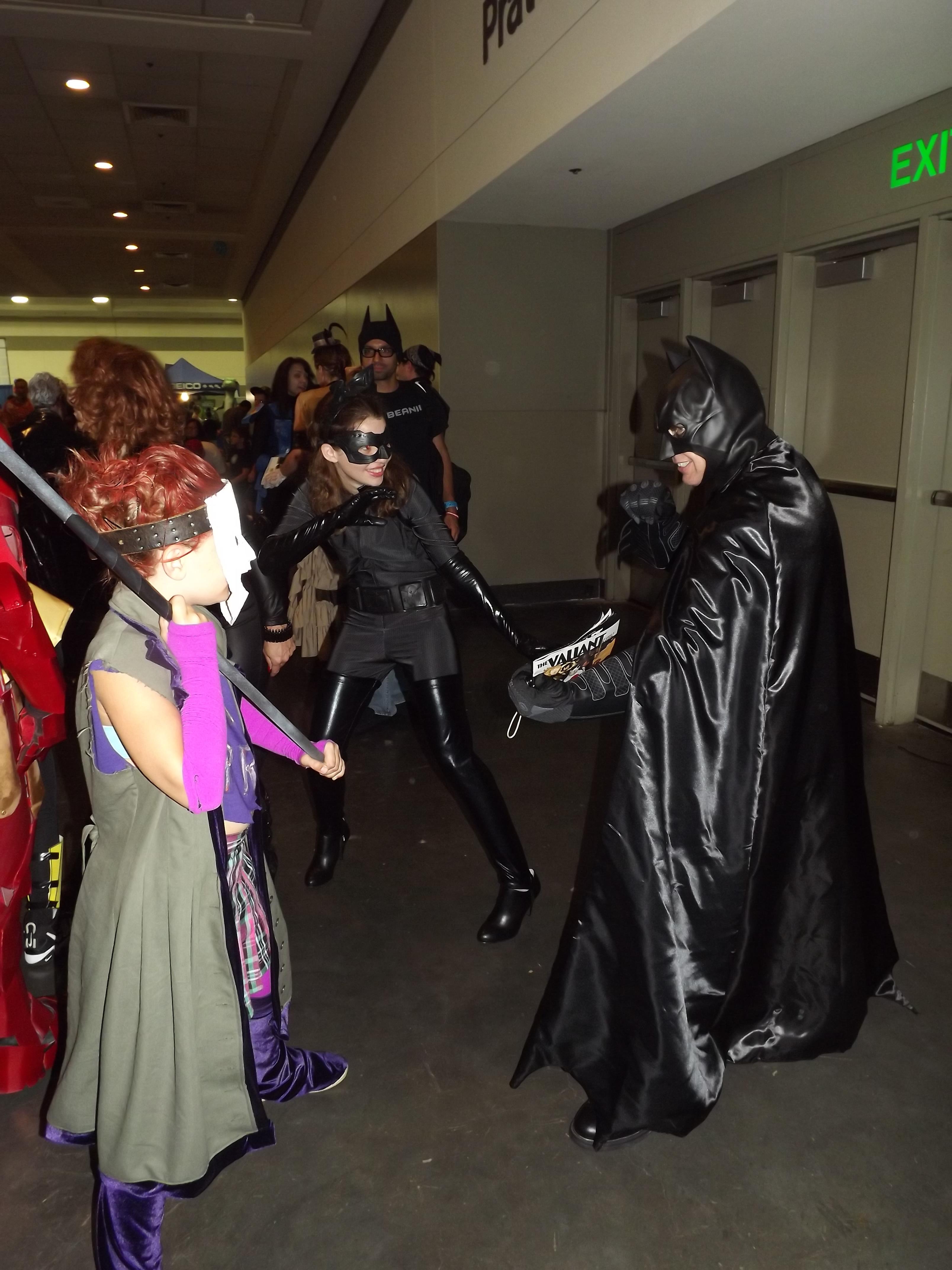 Joker's Daughter and Catwoman vs Batman