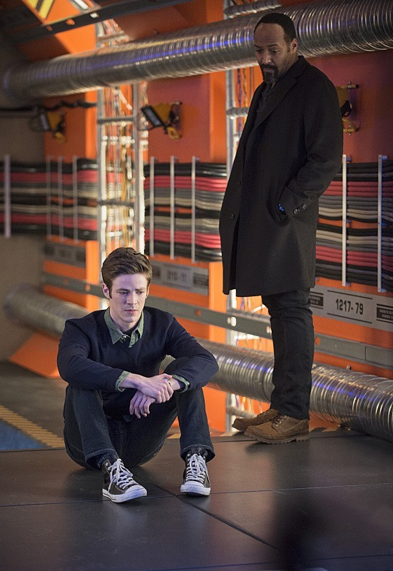 """The Flash -- """"Tricksters"""" -- Image FLA117A_0231b -- Pictured: (L-R) Grant Gustin as Barry Allen and Jesse L. Martin as Detective Joe West -- Photo: Cate Cameron/The CW -- © 2015 The CW Network, LLC. All rights reserved."""