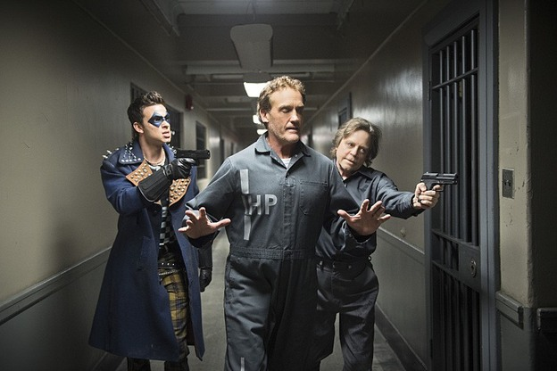 """The Flash -- """"Tricksters"""" -- Image FLA117A_0397b -- Pictured: (L-R) Devon Graye as Trickster, John Wesley Shipp as Henry Allen and Mark Hamill as Jesse James -- Photo: Diyah Pera/The CW -- © 2015 The CW Network, LLC. All rights reserved."""