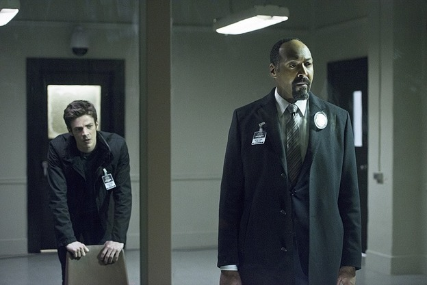 """The Flash -- """"Tricksters"""" -- Image FLA117A_0266b -- Pictured: (L-R) Grant Gustin as Barry Allen and Jesse L. Martin as Detective Joe West -- Photo: Diyah Pera/The CW -- © 2015 The CW Network, LLC. All rights reserved."""